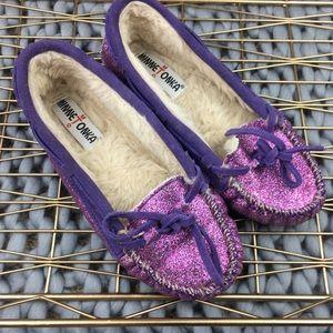 Minnietonka kids purple glitter moccasins shoes